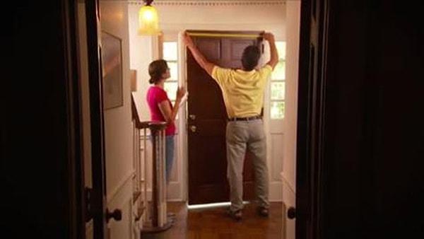 Kích thước cửa thép vân gỗ 4 cánh như thế nào?