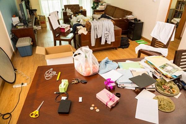 Lỗi trang trí nội thất khiến nhà đã chật càng thêm chật